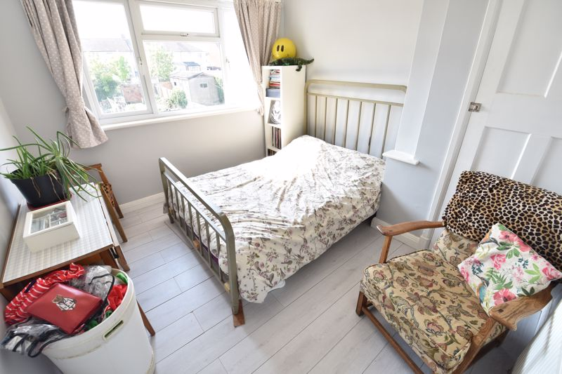3 bedroom End Terrace to buy in Somerset Avenue, Luton - Photo 17