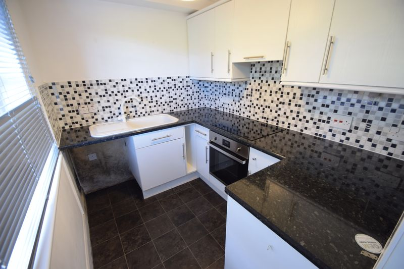 1 bedroom Flat to rent in Knights Field, Luton - Photo 1