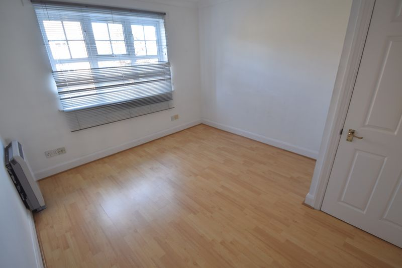 1 bedroom Flat to rent in Knights Field, Luton - Photo 4