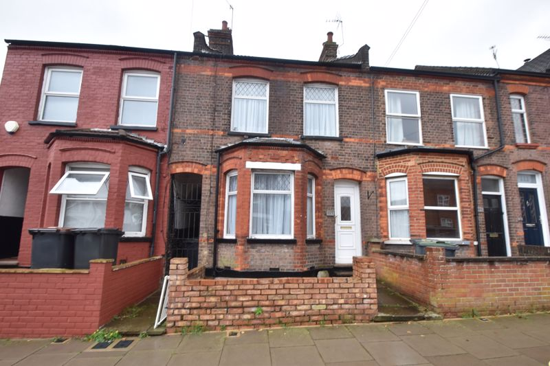 4 bedroom Mid Terrace to buy in Tennyson Road, Luton