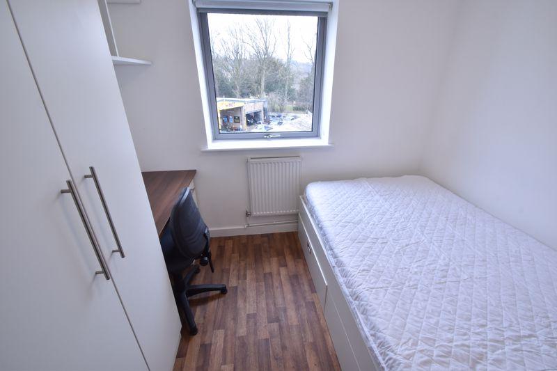 1 bedroom Apartment / Studio to buy in Park Street, Luton - Photo 5