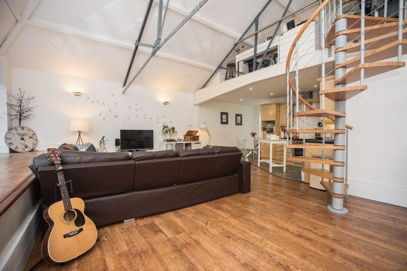 1 bedroom  to buy in John Street, Luton - Photo 1