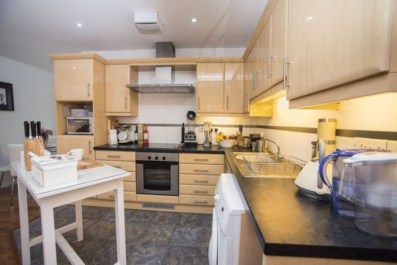 1 bedroom  to buy in John Street, Luton - Photo 9