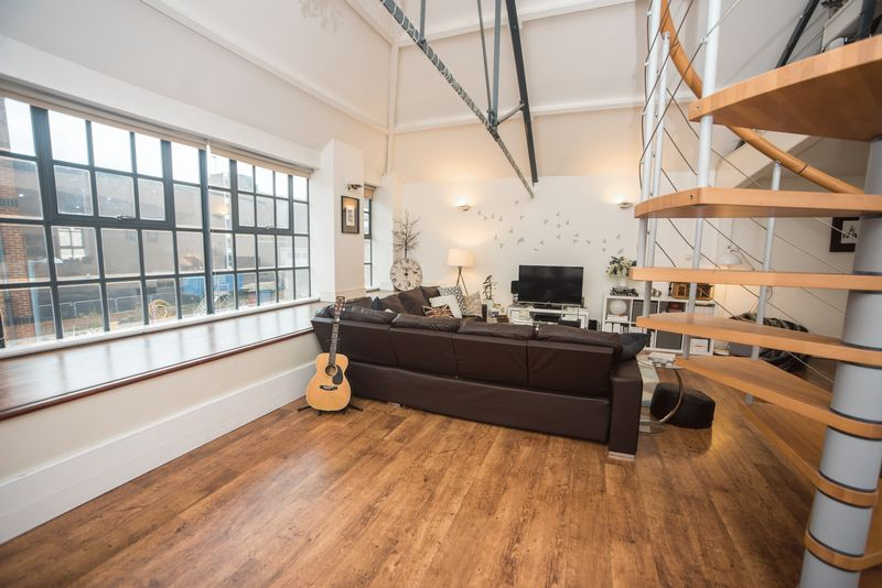 1 bedroom  to buy in John Street, Luton - Photo 12