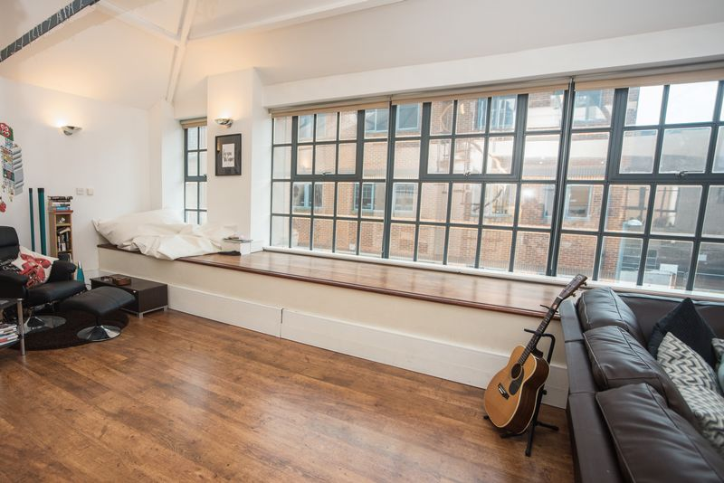 1 bedroom  to buy in John Street, Luton - Photo 13