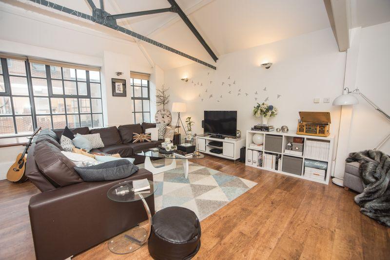 1 bedroom  to buy in John Street, Luton - Photo 4