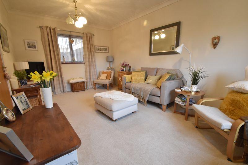 2 bedroom Retirement to buy in Collingdon Street, Luton - Photo 2