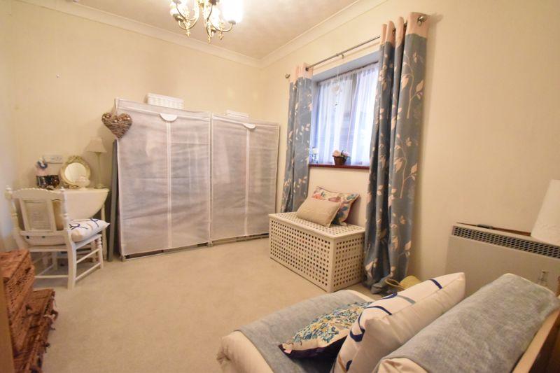 2 bedroom Retirement to buy in Collingdon Street, Luton - Photo 13