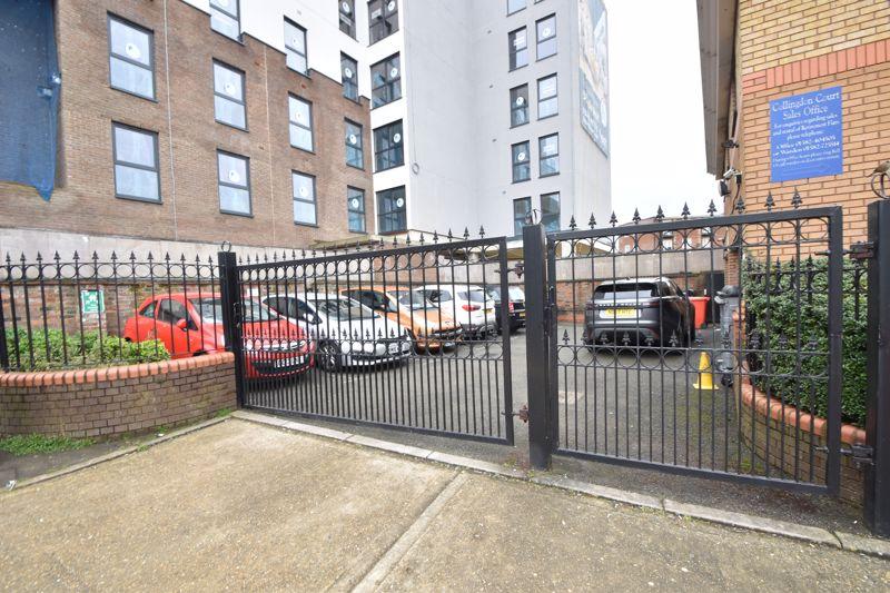 2 bedroom Retirement to buy in Collingdon Street, Luton - Photo 18