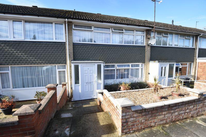 3 bedroom Mid Terrace to buy in Porlock Drive, Luton