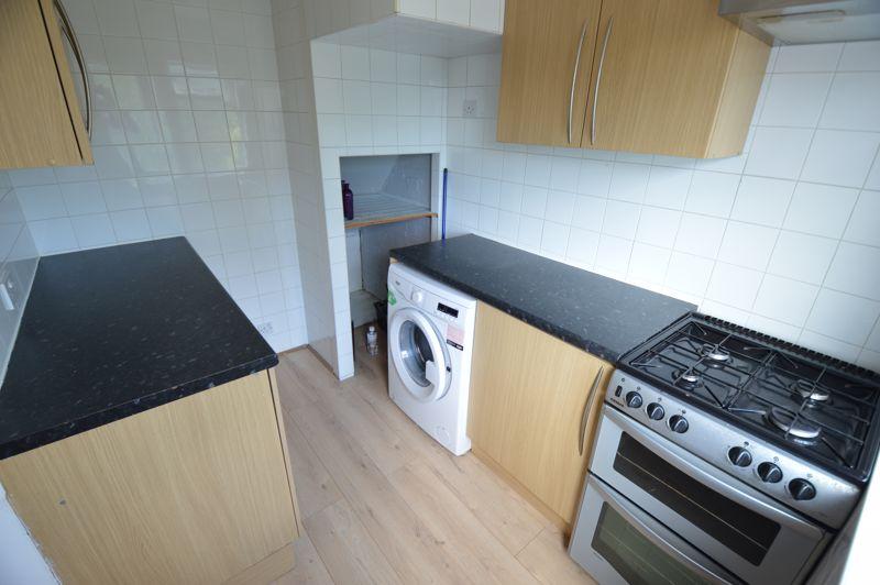 3 bedroom End Terrace to buy in Kingston Road, Luton - Photo 4