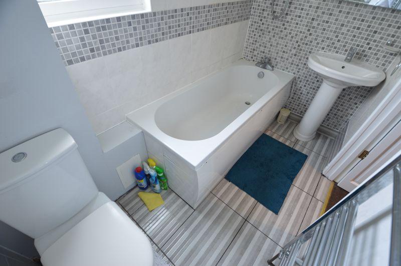 3 bedroom End Terrace to buy in Kingston Road, Luton - Photo 12