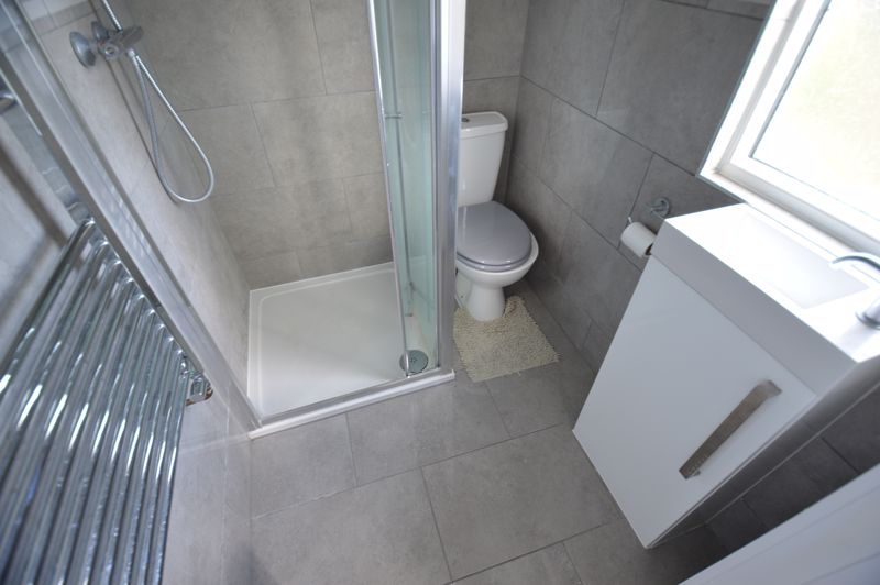 3 bedroom End Terrace to buy in Kingston Road, Luton - Photo 15