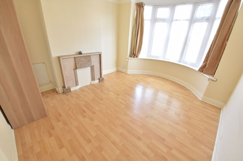 1 bedroom Maisonette to buy in Old Bedford Road, Luton - Photo 5