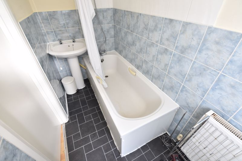 1 bedroom Maisonette to buy in Old Bedford Road, Luton - Photo 7