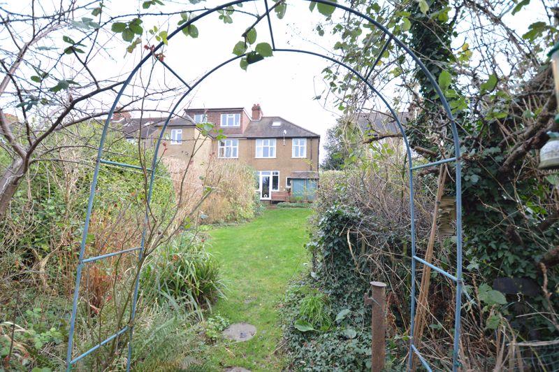 4 bedroom Semi-Detached  to buy in Wardown Crescent, Luton - Photo 4