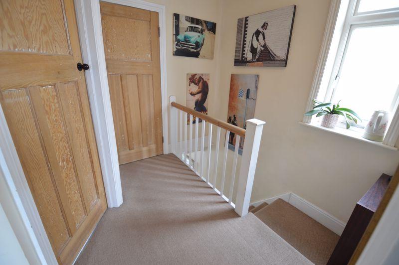4 bedroom Semi-Detached  to buy in Wardown Crescent, Luton - Photo 10