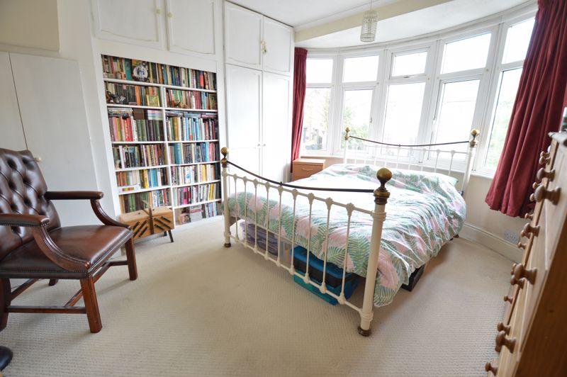 4 bedroom Semi-Detached  to buy in Wardown Crescent, Luton - Photo 19