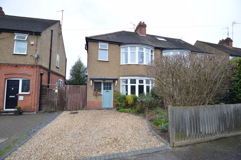 4 bedroom Semi-Detached  to buy in Wardown Crescent, Luton