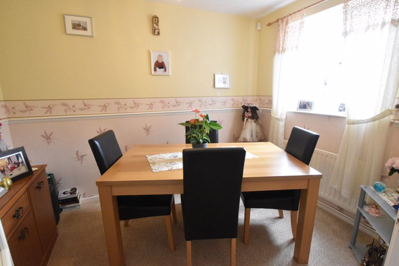 3 bedroom End Terrace to buy in Telscombe Way, Luton - Photo 8
