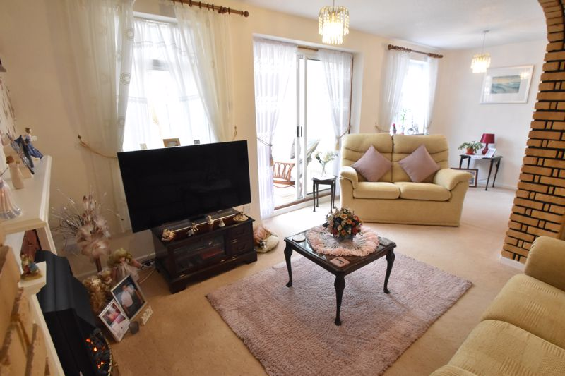 3 bedroom End Terrace to buy in Telscombe Way, Luton - Photo 10