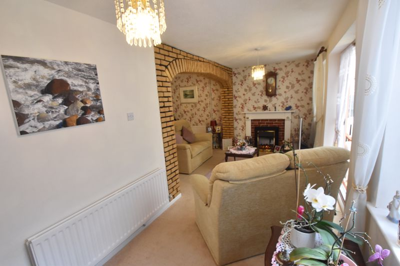 3 bedroom End Terrace to buy in Telscombe Way, Luton - Photo 11