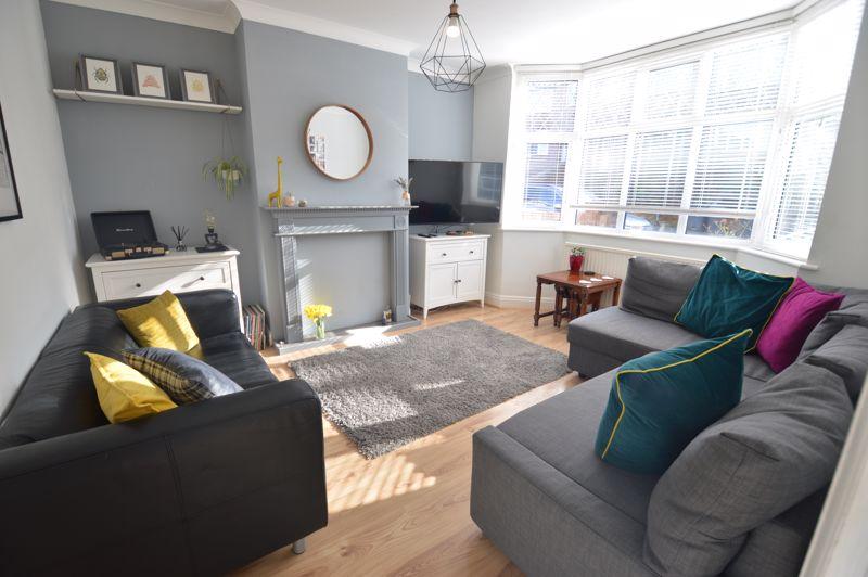 3 bedroom Semi-Detached  to buy in Cowper Street, Luton - Photo 19