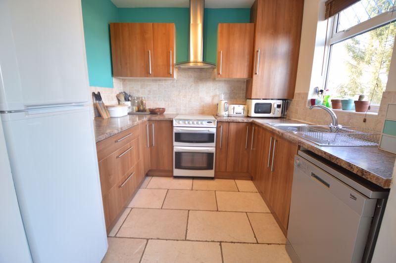 3 bedroom Semi-Detached  to buy in Cowper Street, Luton - Photo 25