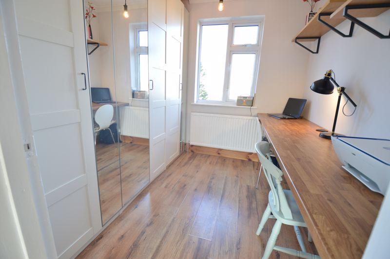 3 bedroom Semi-Detached  to buy in Cowper Street, Luton - Photo 9