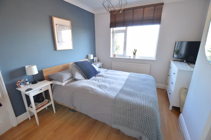 3 bedroom Semi-Detached  to buy in Cowper Street, Luton - Photo 11