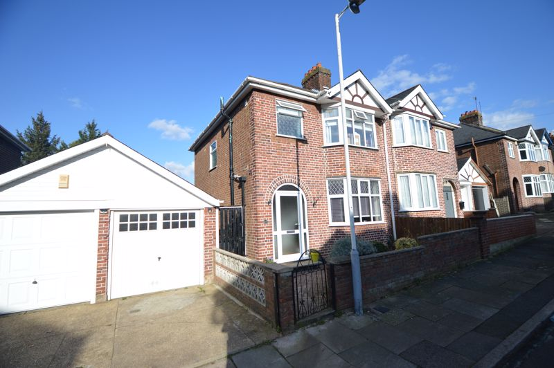 3 bedroom Semi-Detached  to buy in Cowper Street, Luton - Photo 15