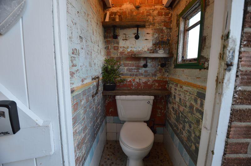 3 bedroom Semi-Detached  to buy in Cowper Street, Luton - Photo 18