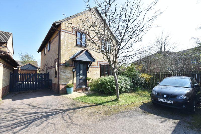 4 bedroom Detached  to buy in Dovedale, Luton