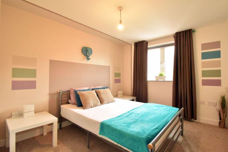 2 bedroom Flat to buy in Foxglove Way, Luton - Photo 9