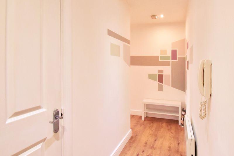 2 bedroom Flat to buy in Foxglove Way, Luton - Photo 11