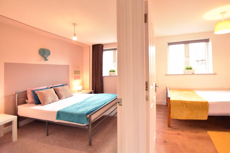 2 bedroom Flat to buy in Foxglove Way, Luton - Photo 14