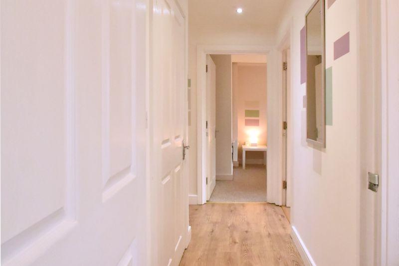 2 bedroom Flat to buy in Foxglove Way, Luton - Photo 15