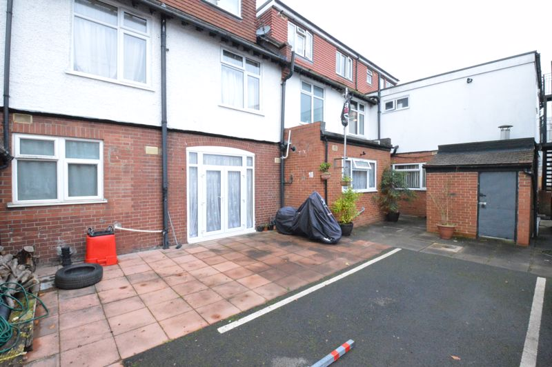 1 bedroom Maisonette to buy in New Bedford Road, Luton - Photo 2