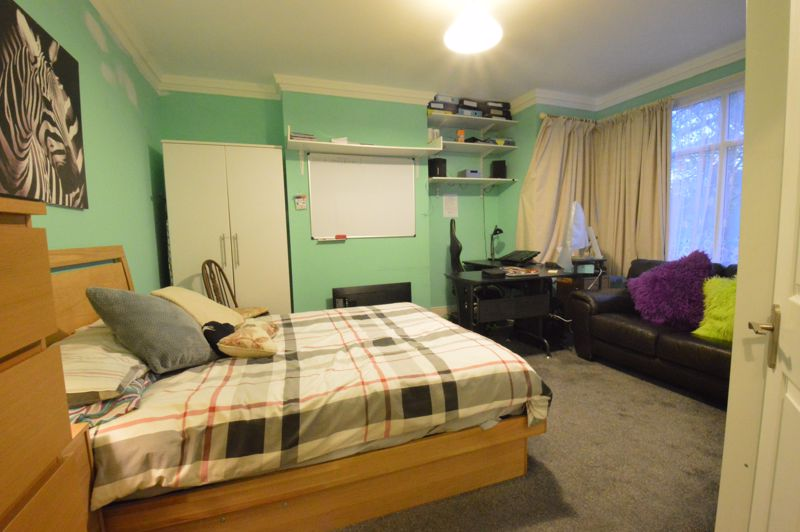 1 bedroom Maisonette to buy in New Bedford Road, Luton - Photo 7