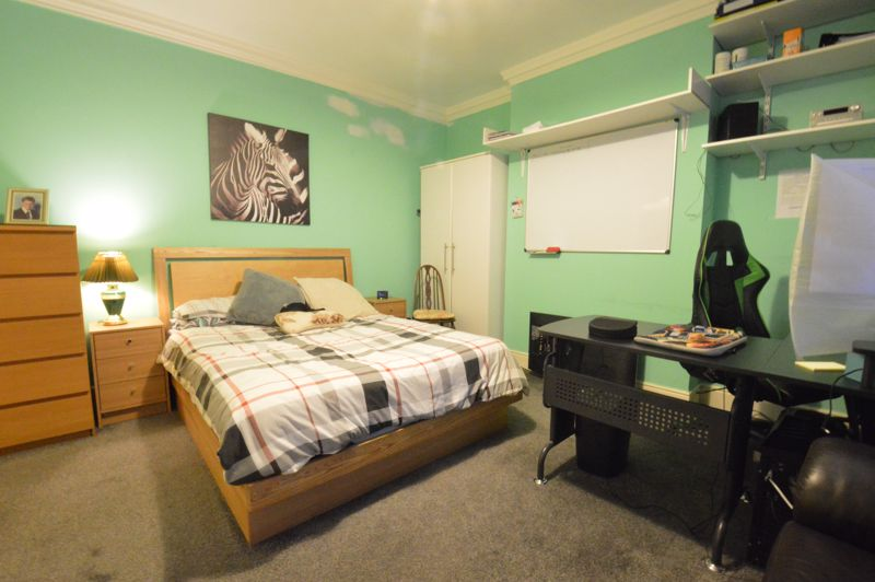 1 bedroom Maisonette to buy in New Bedford Road, Luton - Photo 8