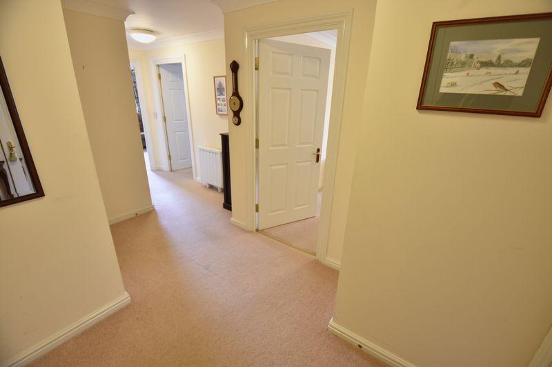 2 bedroom Retirement to buy in Lucas Gardens, Luton - Photo 3