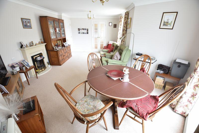 2 bedroom Retirement to buy in Lucas Gardens, Luton - Photo 5
