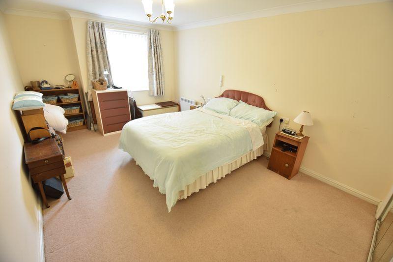 2 bedroom Retirement to buy in Lucas Gardens, Luton - Photo 10