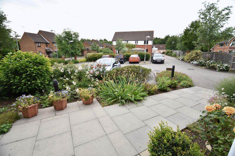 2 bedroom Retirement to buy in Lucas Gardens, Luton - Photo 16