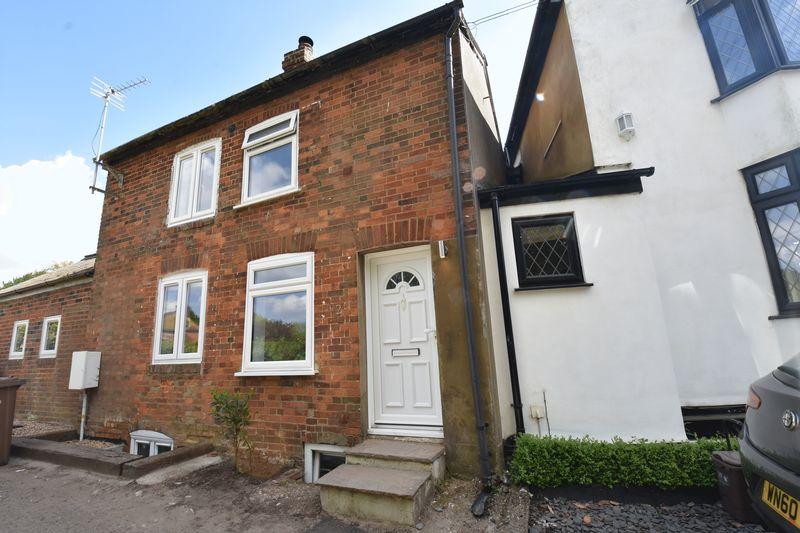 2 bedroom Mid Terrace to rent in Kings Walden Road, Hitchin