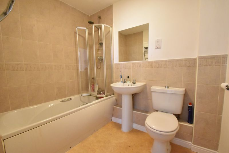 1 bedroom Apartment / Studio to buy in 1a Kingsway, Luton - Photo 2