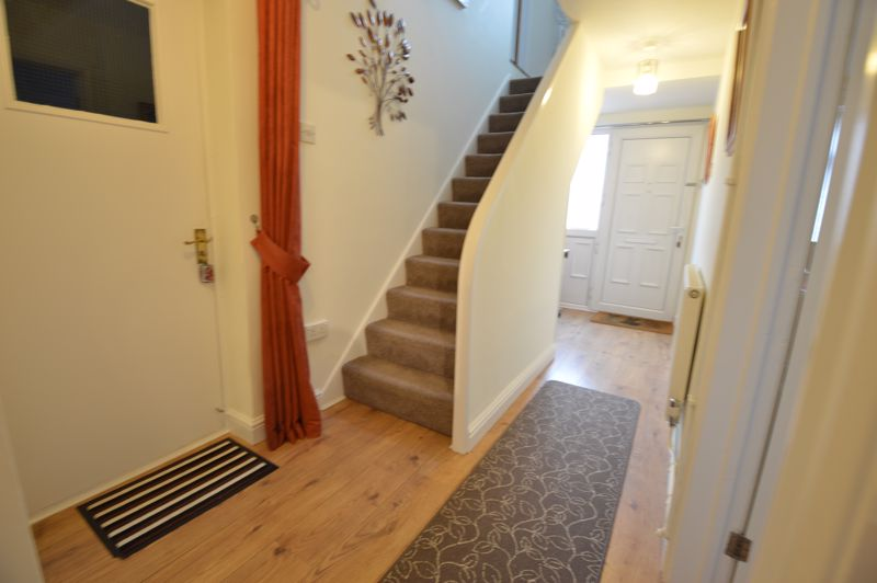 4 bedroom Semi-Detached  to buy in Dunsby Road, Luton - Photo 9