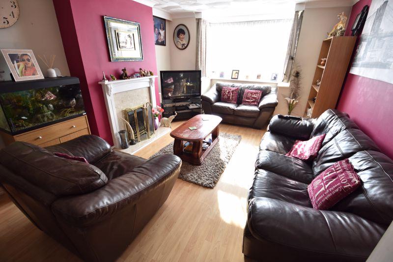3 bedroom Semi-Detached  to buy in Silecroft Road, Luton - Photo 2
