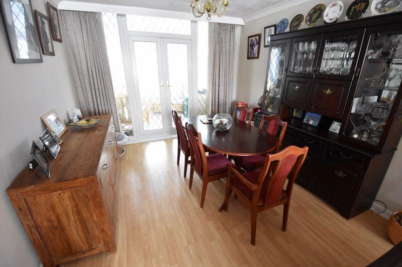 3 bedroom Semi-Detached  to buy in Silecroft Road, Luton - Photo 3