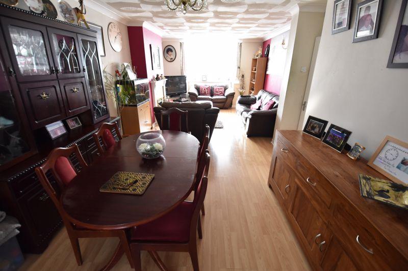 3 bedroom Semi-Detached  to buy in Silecroft Road, Luton - Photo 4